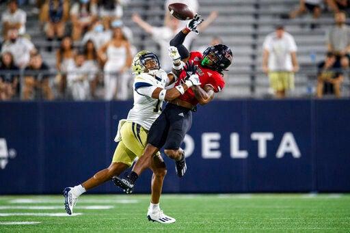 Lombardi lifts Northern Illinois past Georgia Tech, 22-21
