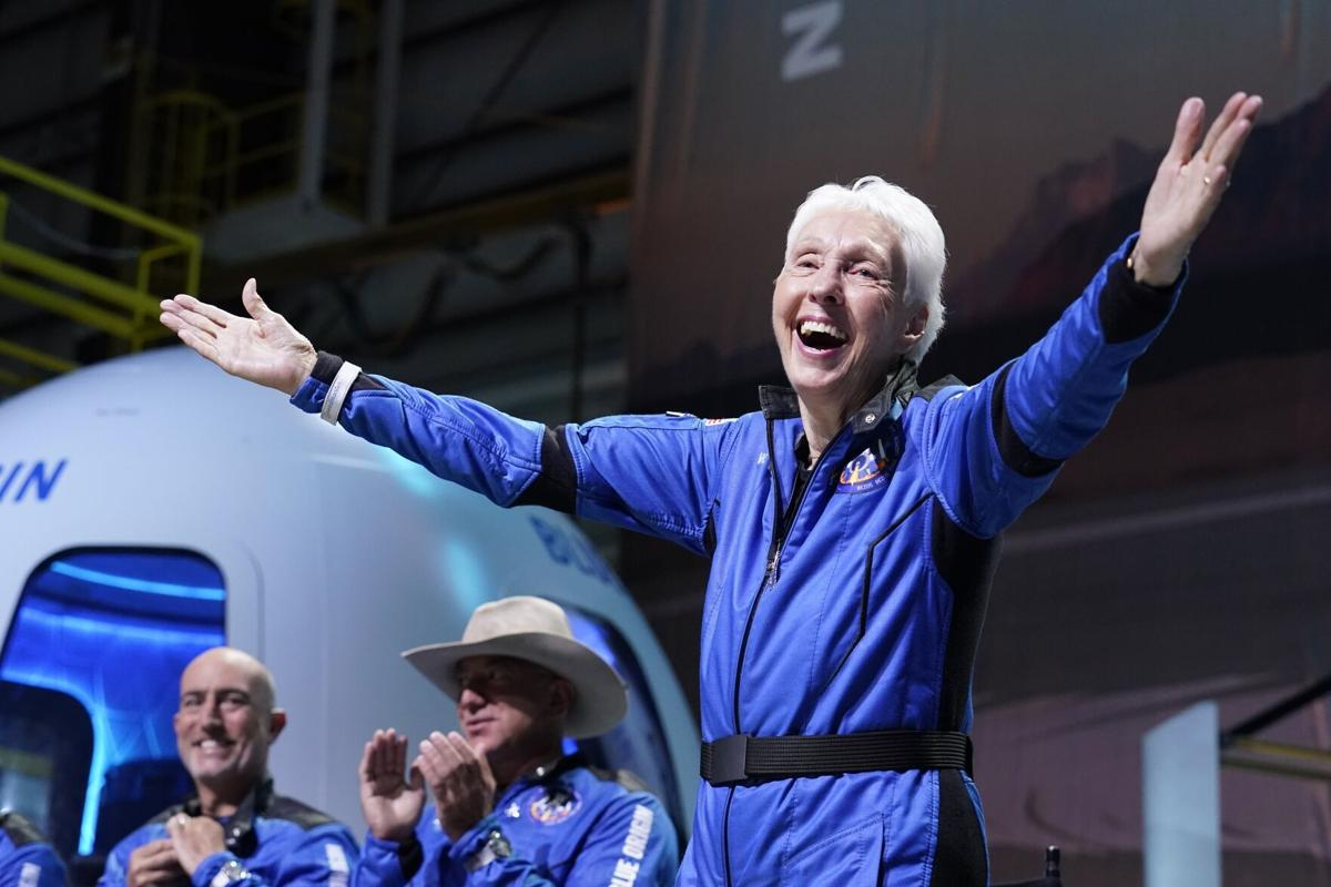 APTOPIX Blue Origin Bezos