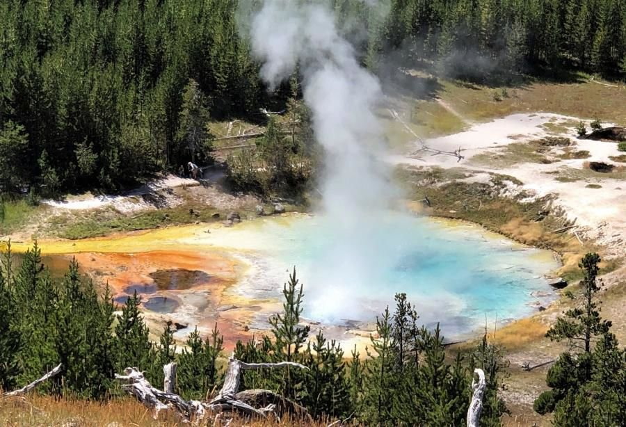 Geologists say recent earthquakes not tied to Yellowstone Caldera ...