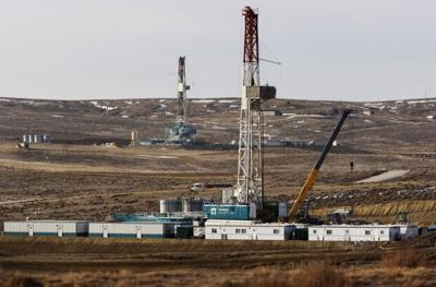Oil Boom, Douglas rigs
