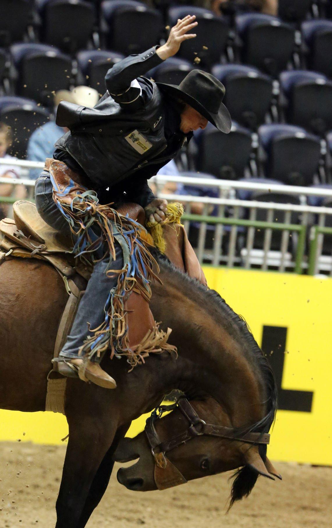 New Mexico Junior College S Preston Burr Leads Saddle