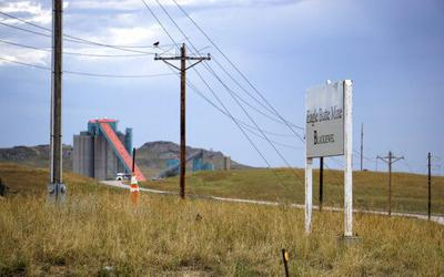 Mine shutdowns in top US coal region bring new uncertainty