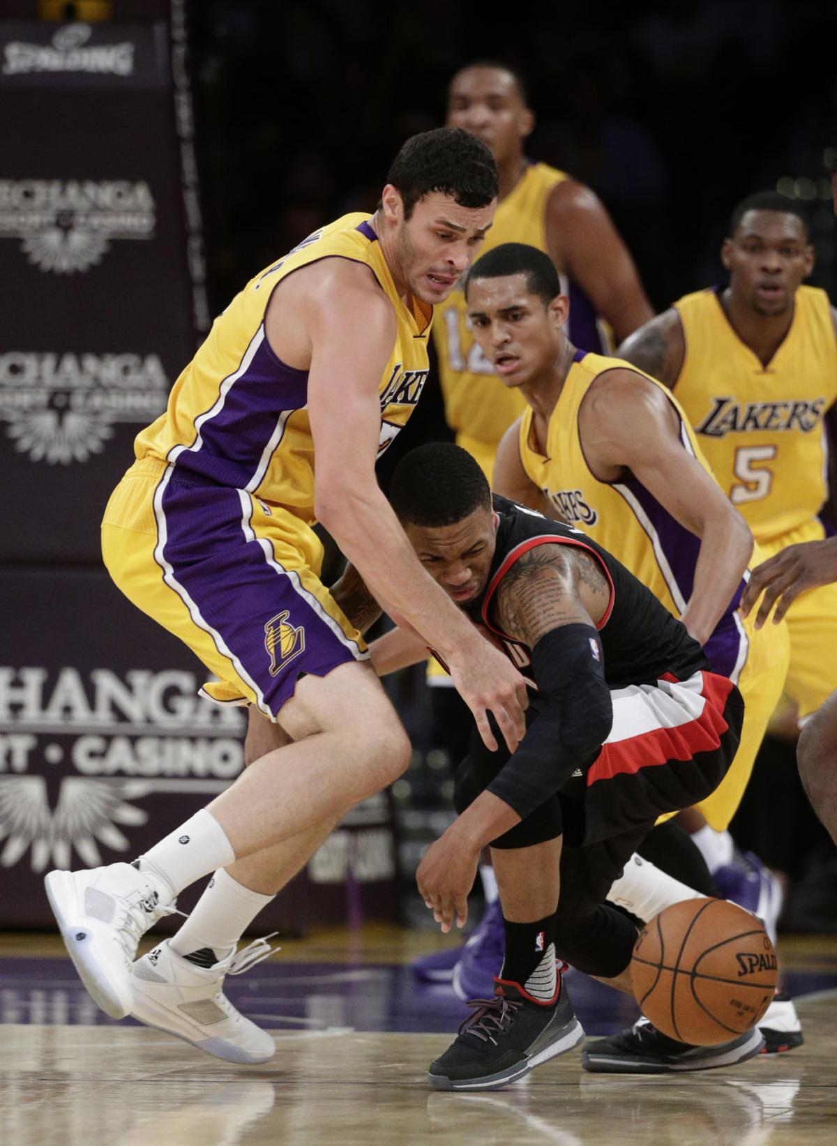 Former Wyoming standout Larry Nance Jr breaks nose in Lakers