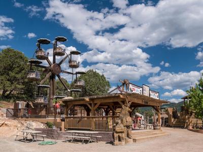 6-year-old girl dies on amusement park ride in Colorado