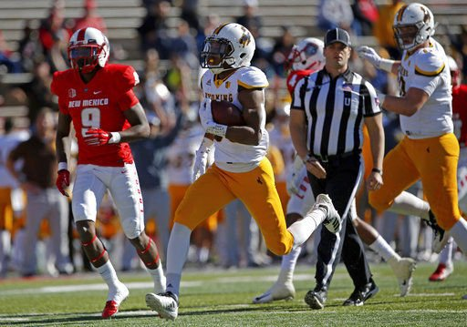 Wyoming runs over New Mexico 31-3 to become bowl eligible