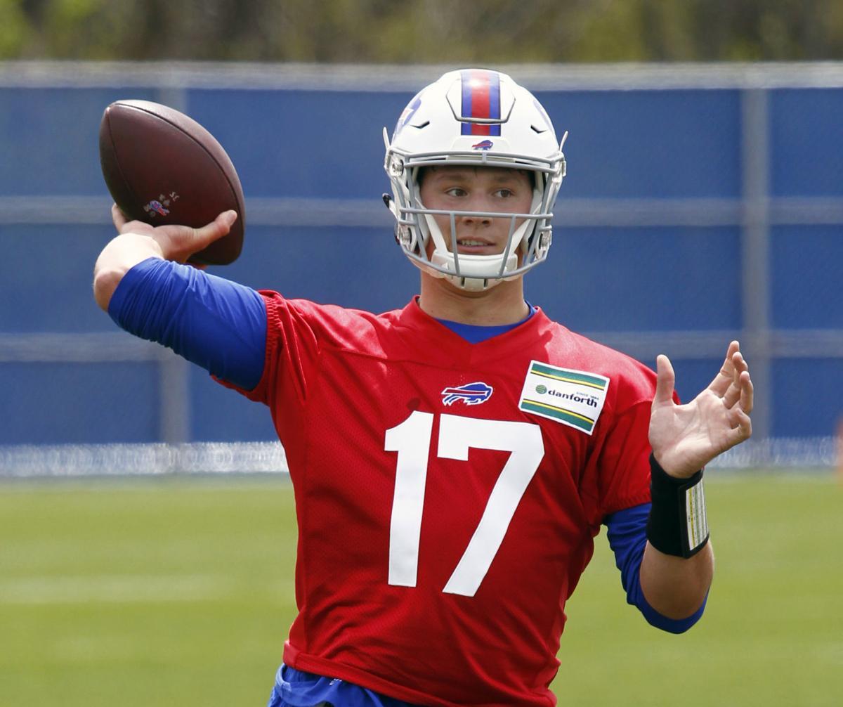 buy popular b20a5 339f8 Bills sign former Wyoming quarterback Josh Allen to 4-year ...