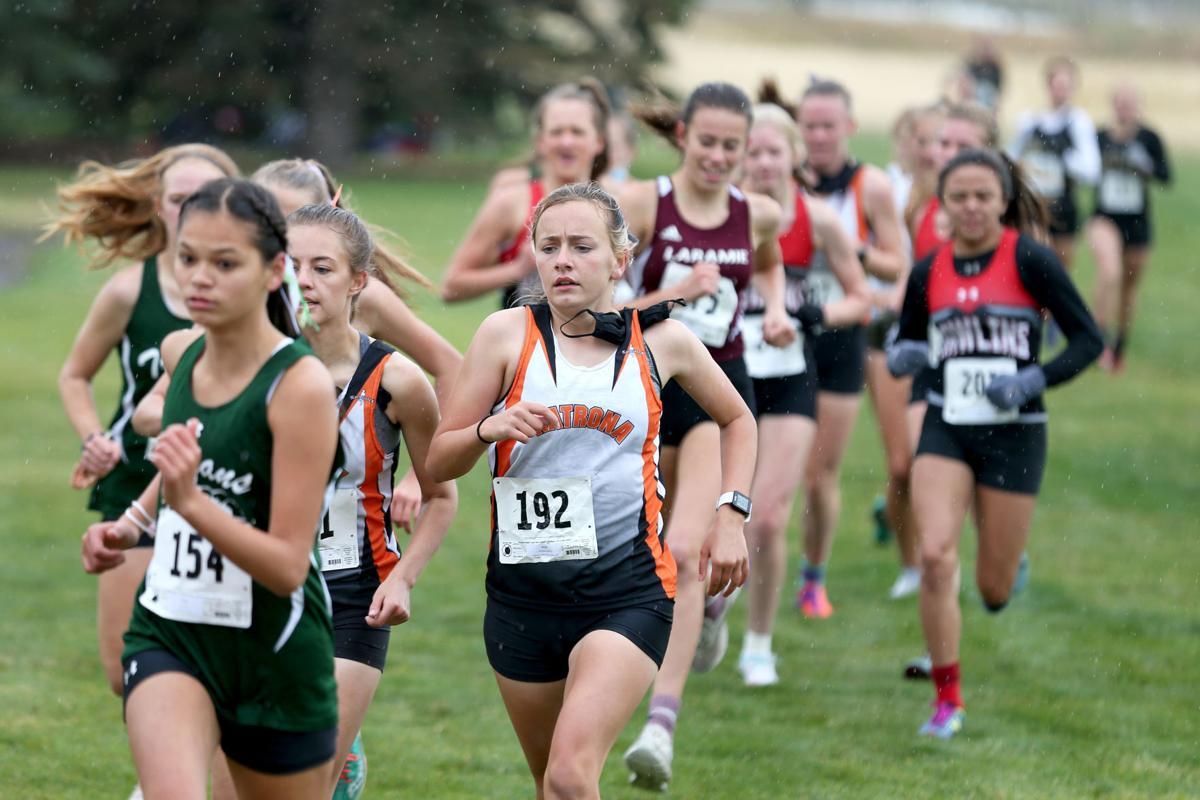 XC girls pack at Cheyenne