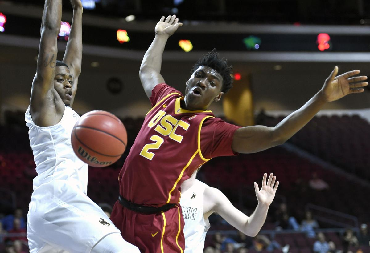 USC remains unbeaten thanks to McLaughlin's driving layup