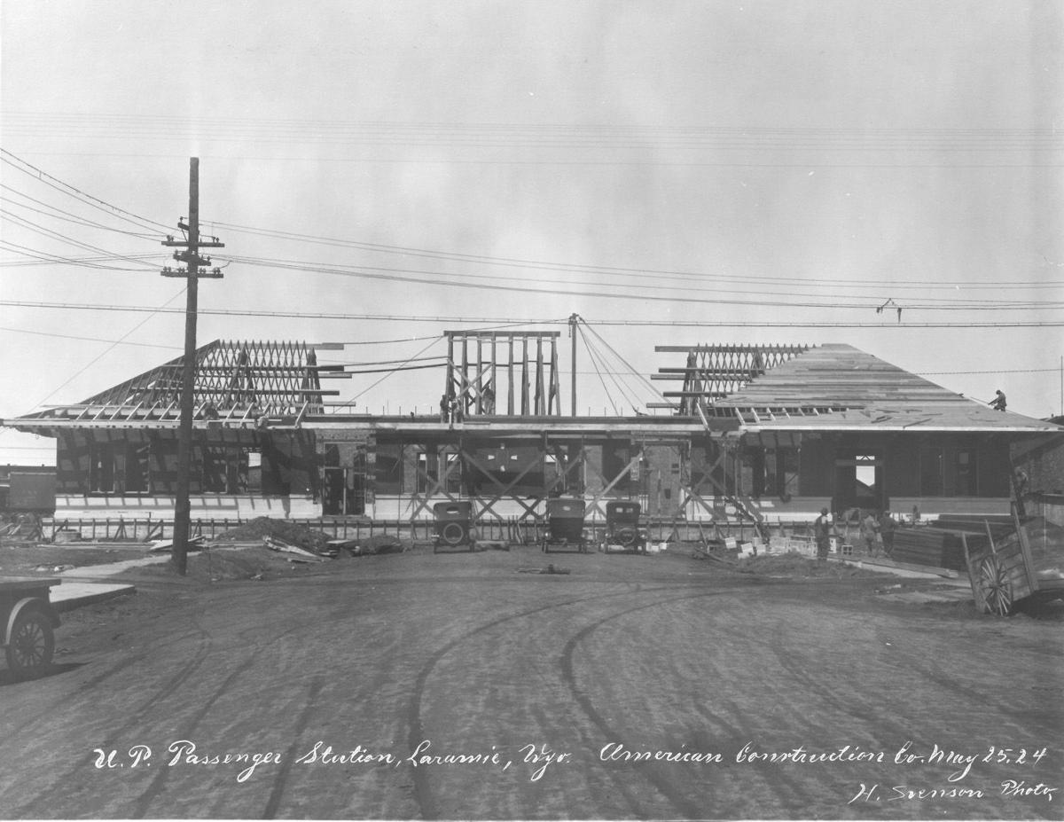 Construction of the Union Pacific Railroad depot in Laramie, 1924