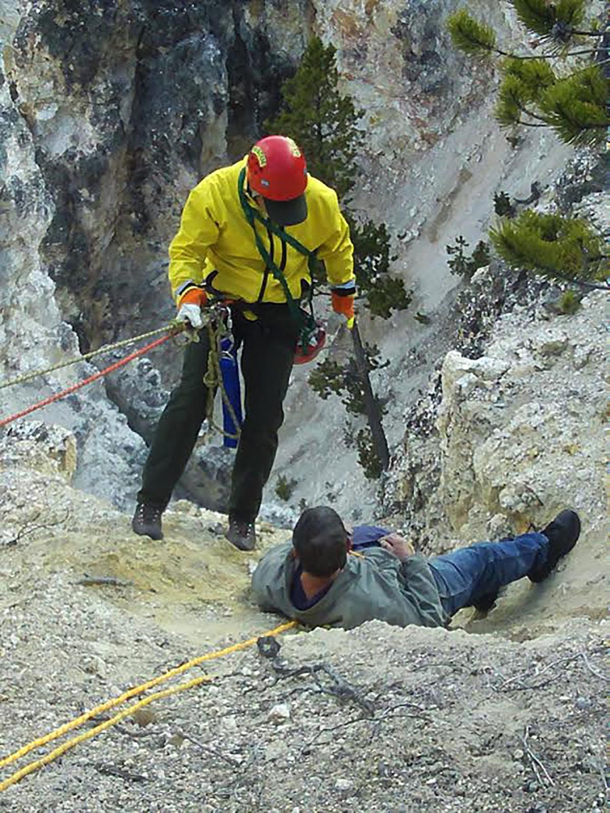 Yellowstone Park rangers save man