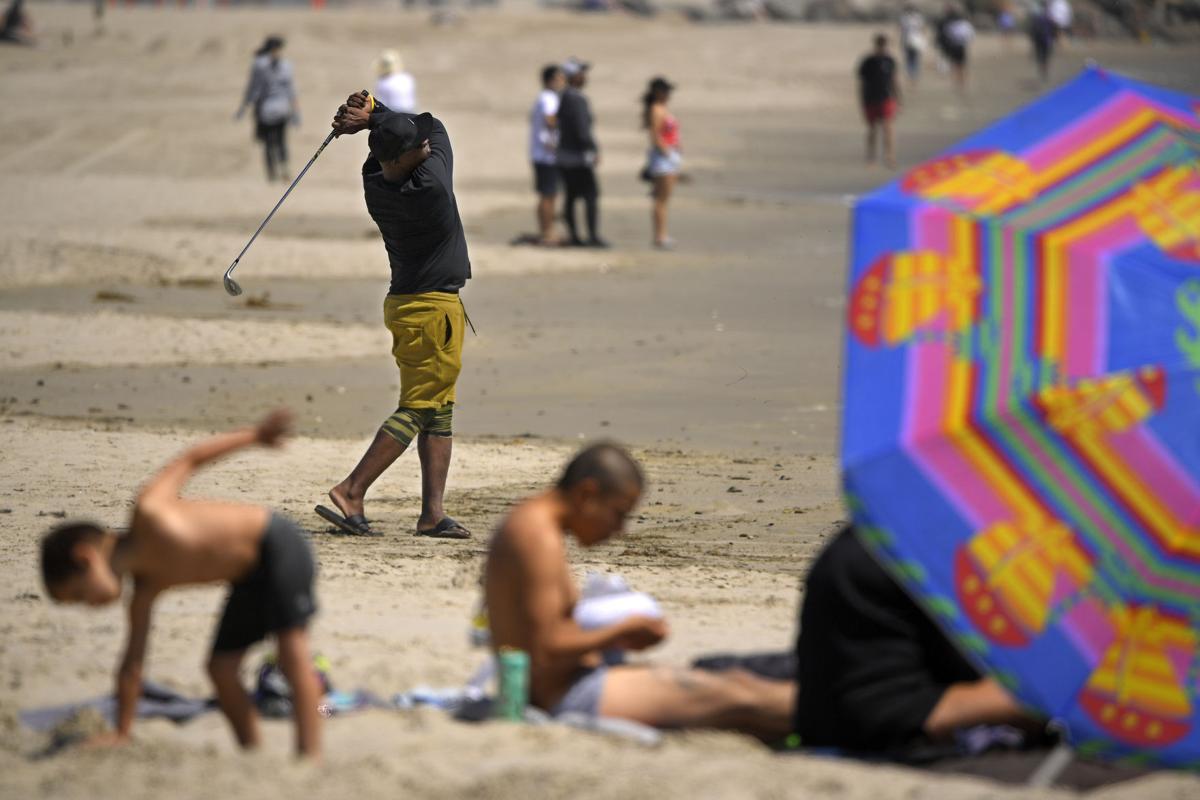 APTOPIX Virus Outbreak California Reopen