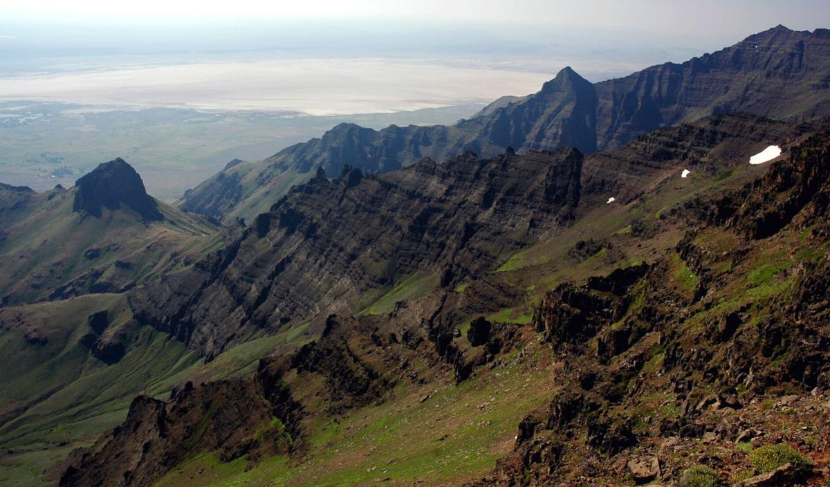 Steens mountain summit area.jpg
