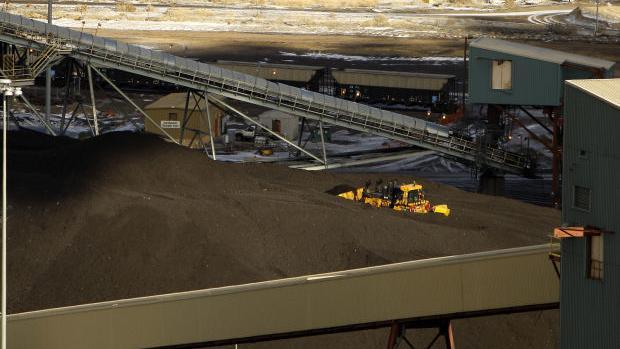 Mixing water, Powder River Basin coal ash dangerous to human health, new research finds - Casper Star-Tribune Online