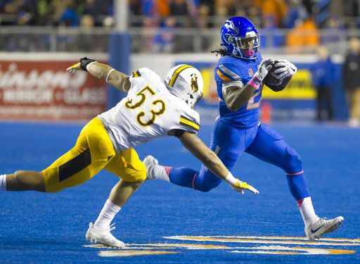 Cozart accounts for 3 TDs, Boise State beats Wyoming 24-14