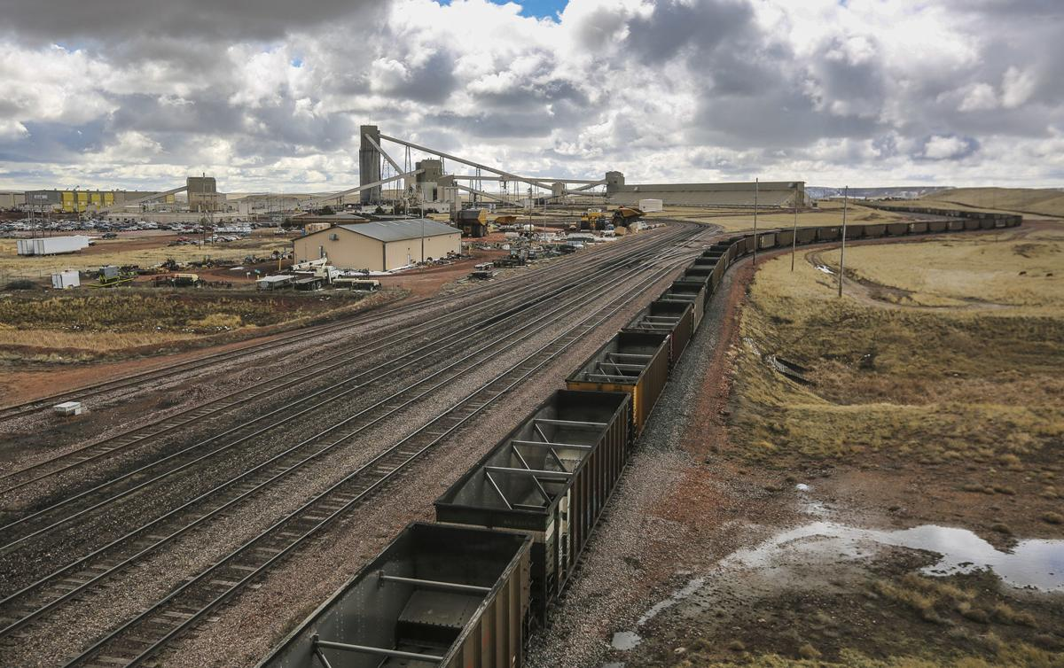 Arch Coal to move 100 miners from lower heat mine to Black Thunder