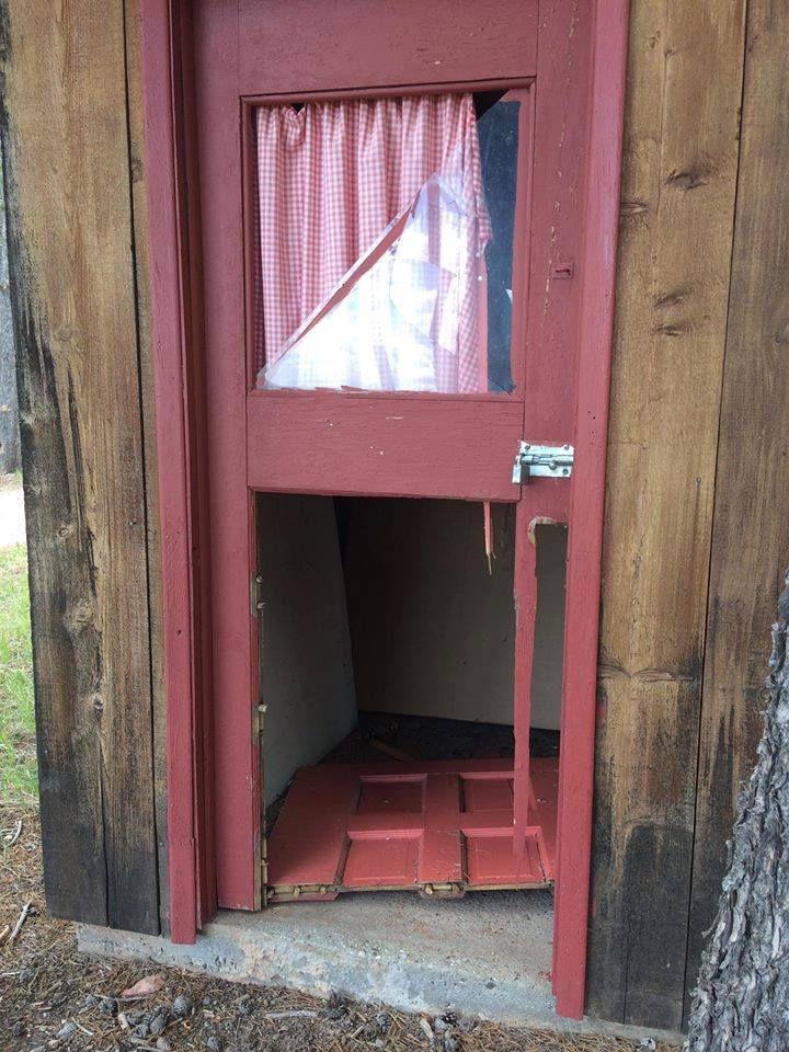 Damage at Crimson Dawn & Vandals break doors windows at Crimson Dawn museum | Casper ... Pezcame.Com