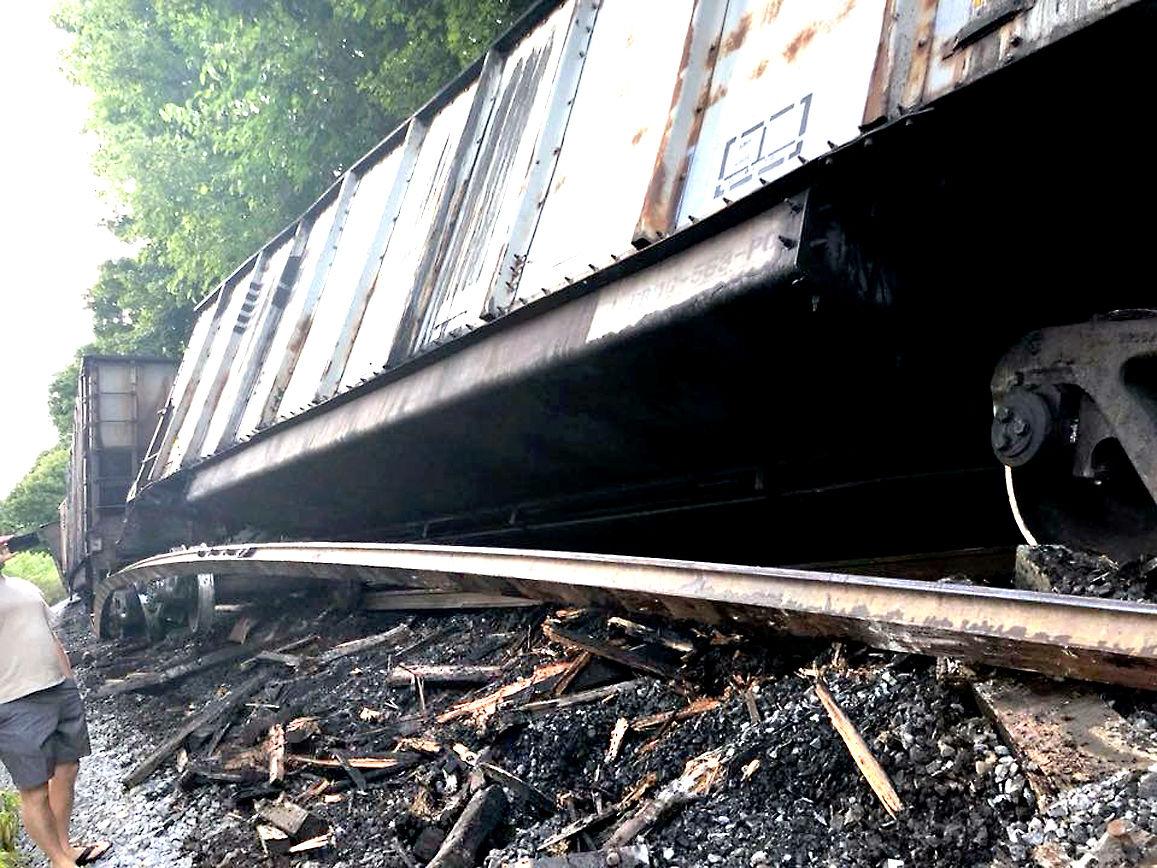 Train derails in Windber, blocking streets | News | tribdem com