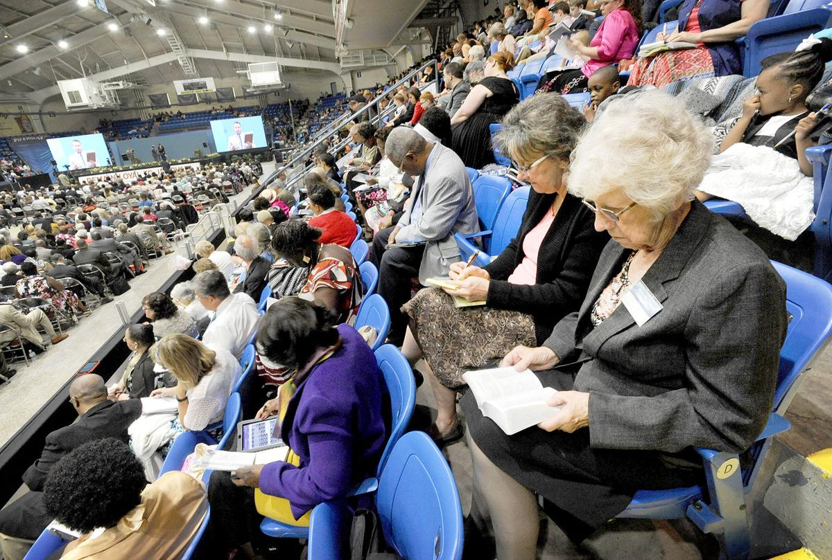 Spiritual instruction jehovahs witnesses flock to annual jehovahs witnesses conference izmirmasajfo