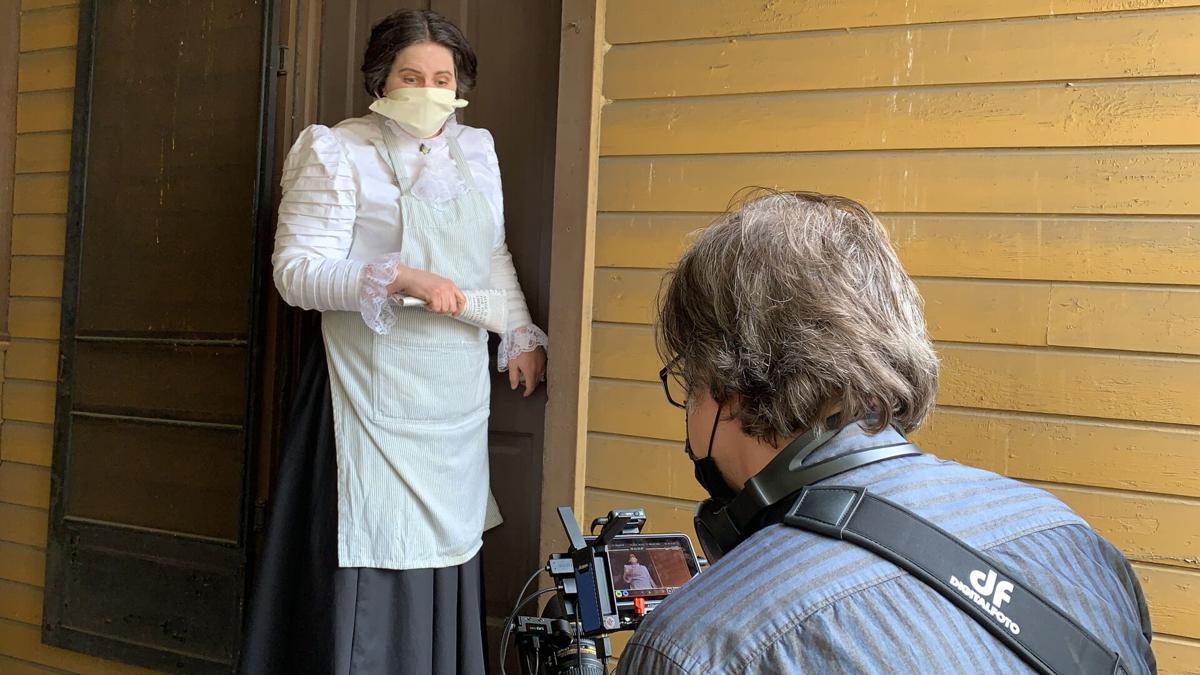 Davis as Kathleen Ocreidy Wissenschaft