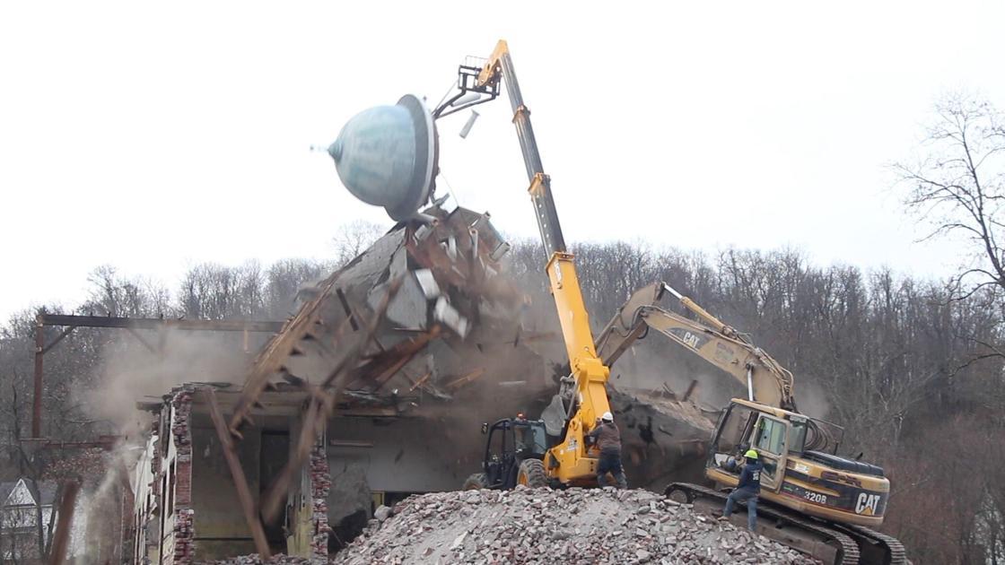 WATCH VIDEO: Roxbury School cupola falls during removal