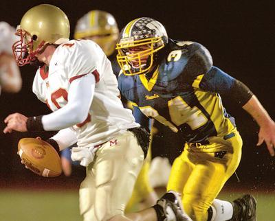 McCort B  1202 -Bishop McCort vs. Wilmington Football