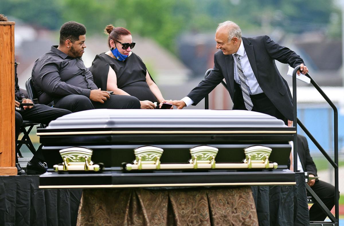 Carlton Haselrig Funeral | Trojan Stadium | Pat Pecora