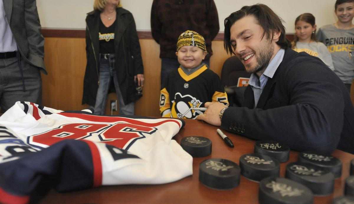 more photos e5811 8dace PHOTO GALLERY: Penguins Letang in Johnstown | Gallery ...