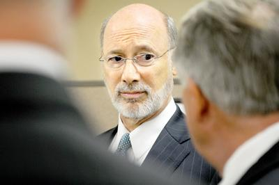 Wolf visits Richland clinic
