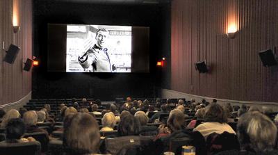 This Movie Absolutely Transcends Time Westwood Plaza Theatre Hosts Two Screenings Of Christmas Classic News Tribdem Com