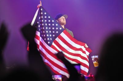 Country star Cole Swindell plays Johnstown, meets sister of