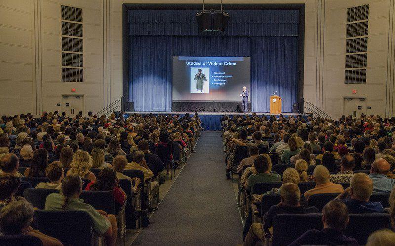 FBI's 'Mindhunter' regales ISU audience