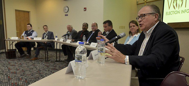 Despite frequent agreement, interesting discussion takes place at candidates' forum