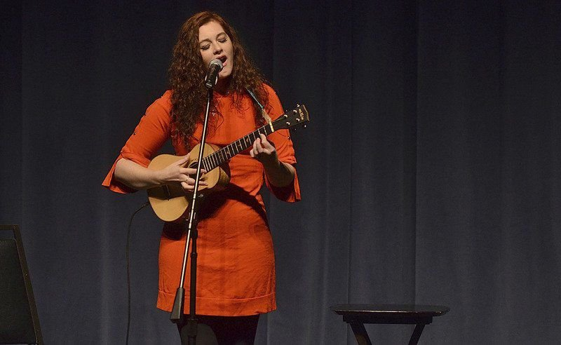 Deaf singer credits father in helping find a way back into music