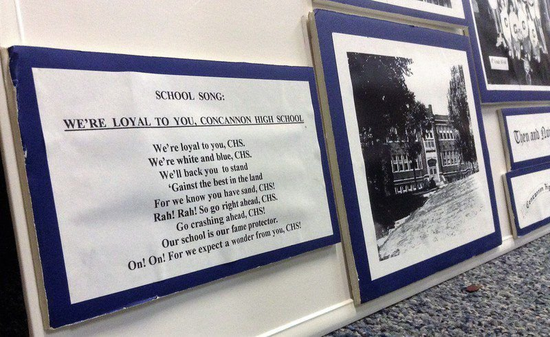 School songs stir a bond, even long after building is gone