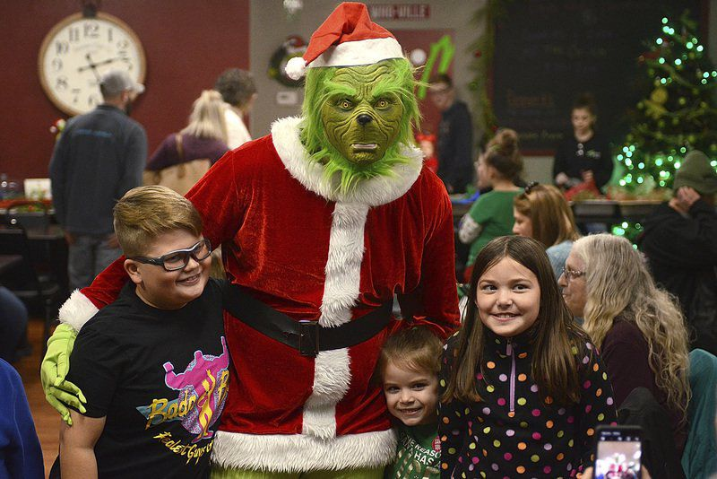 Holiday hero, anti-hero draw crowds