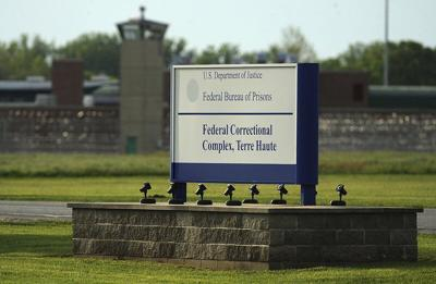 Visits to resume at federal prisons