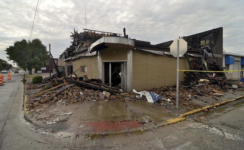 Downtown building that burned now demolished