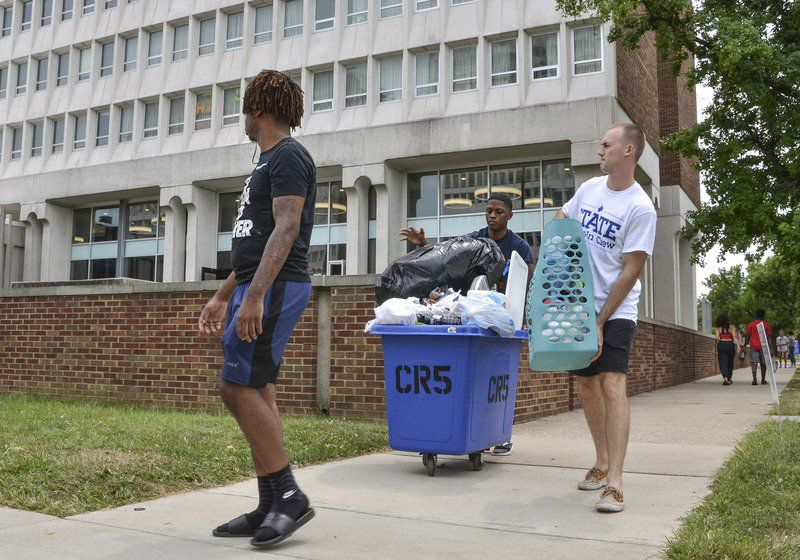 ISU students, parents have mixed emotions on move-in day