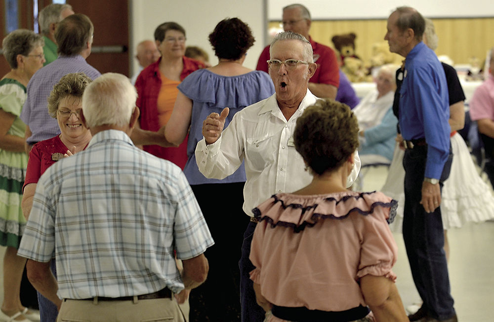 Cue the Dance! Square dancing like 'friendship set to music' | Terre