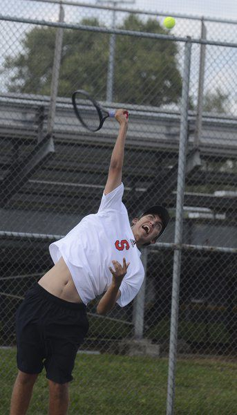 South boys tennis sweeps Northview