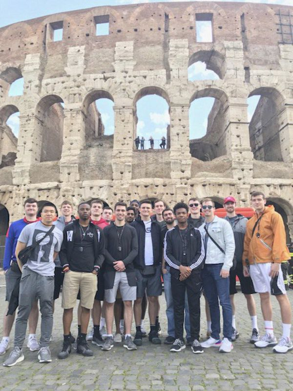 Rose-Hulman tradition continues with 32-person trip to Italy