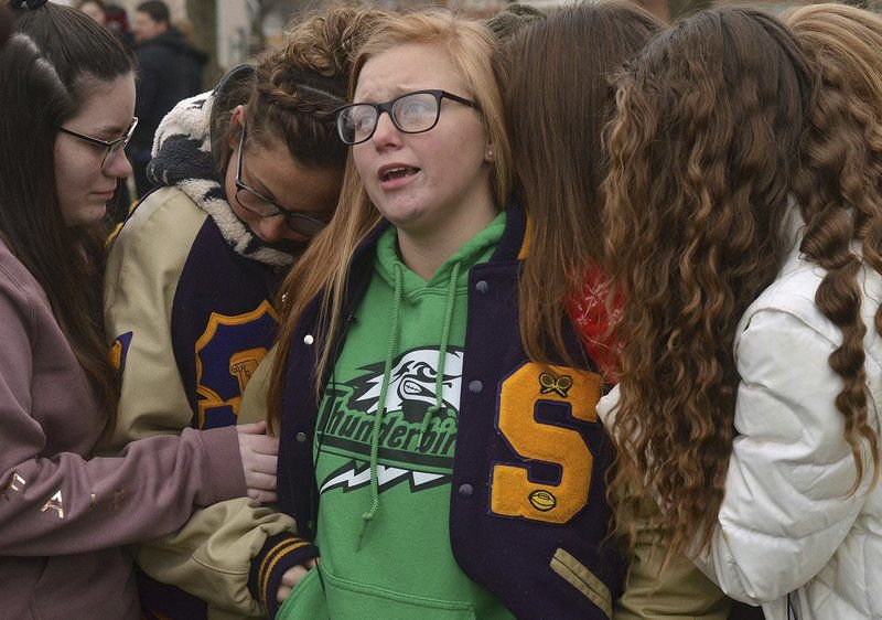 Community mourns, honors teens killed in crash