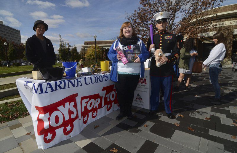 Indiana State student radio station sponsors event for Toys for Tots