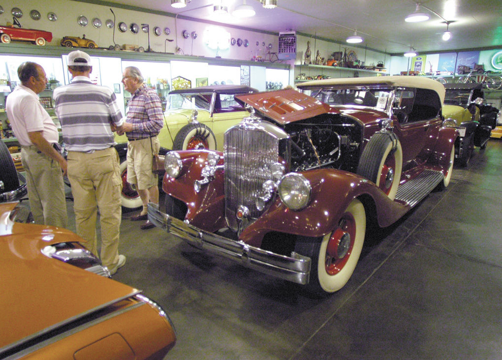 Classic car owners tour Kleptz Car Museum during Valley visit ...