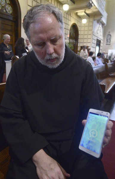 New avenue: Churches move to mobile system for delivering updates, sermons, alerts to congregants