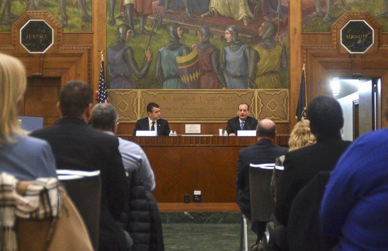Sen. Young, Secretary Acosta laud proposed retirement plans