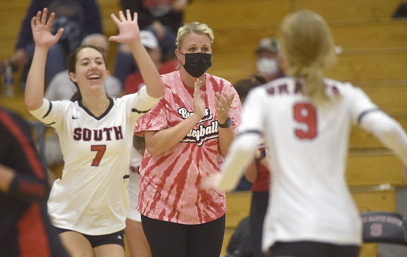 South keeps cruising as Minnick takes over as interim coach