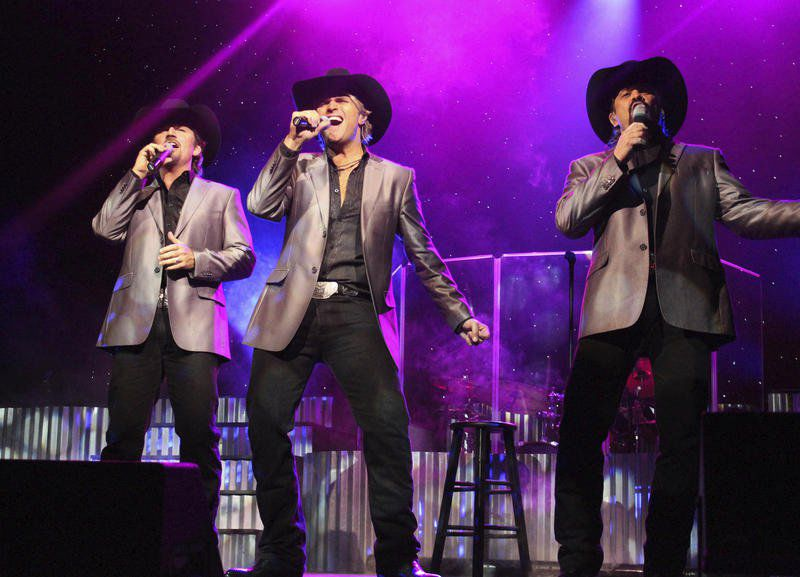 texas tenors bringing deep in the heart of christmas to rhit on friday