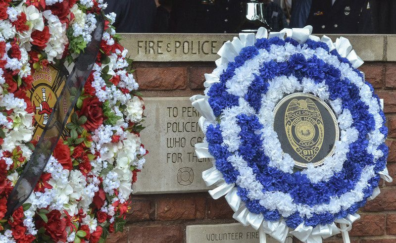 Ceremony remembers fallen firefighters, police officers