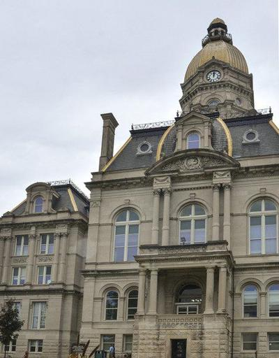 Air conditioning problems shut courthouse